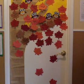 Simple Fall Classroom Themes Classroom Door Decor Teaching Ideas Internet And Summer Autum