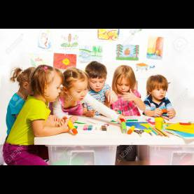 Complex Kids Painting Class Large Group Of Little Kids On Painting Class Sitting Togethe