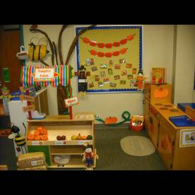 Excellent Fall Dramatic Play Ideas Love This One With The Pumpkin Vines And The Signs | Classroo